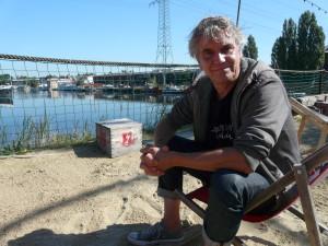 Peter an dem Beachclub, für den er nebenei noch eine Petition organsiert